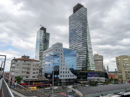 Building at Trump Towers, Kuştepe Neighbourhood, Mecidiyeköy Yolu Cad., No:12 Tower:2 Floor:18 in Istanbul 1
