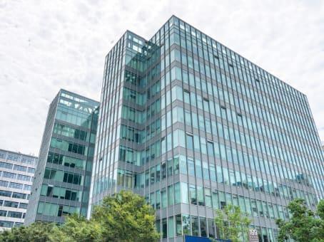 建筑位于上海凯滨路199号, 上海凯滨国际大厦Spaces办公中心B1楼 1