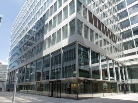 建筑位于ZurichThe Circle 6, Zurich Airport, The Circle 1