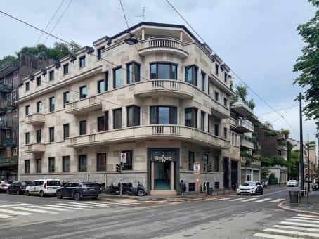 建筑位于MilanVia Nino Bixio 31 1