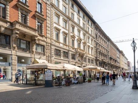 建筑位于MilanVia Dante 16 1