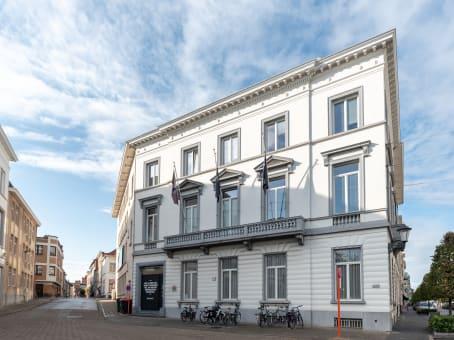 Building at Kardinaal Mercierplein 2 in Mechelen 1