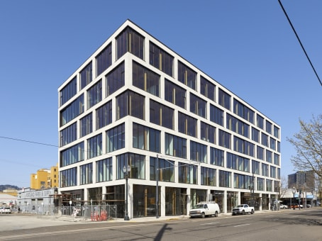 建筑位于Portland555 SE MLK JR Boulevard, Suite 105 1