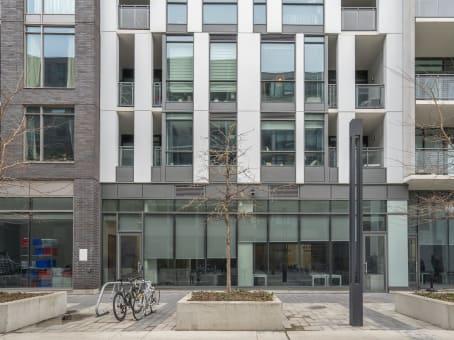 建筑位于Toronto11 Peel Avenue and 20 Gladstone Avenue, Unit P1A and Unit No. 1 1