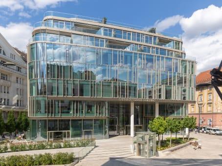 建筑位于BudapestSzervita square 8 1