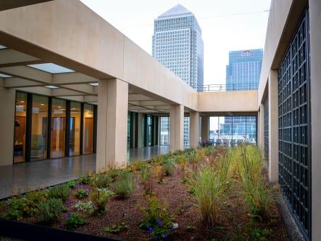 建筑位于London25 Cabot Square 1
