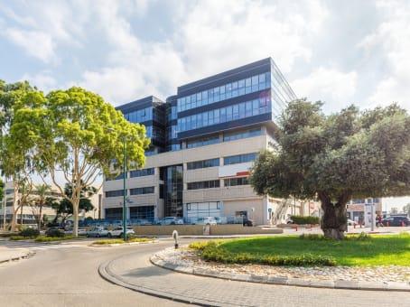 建筑位于Netanya4 Hatzoran St., Entrance 10, 3rd floor 1