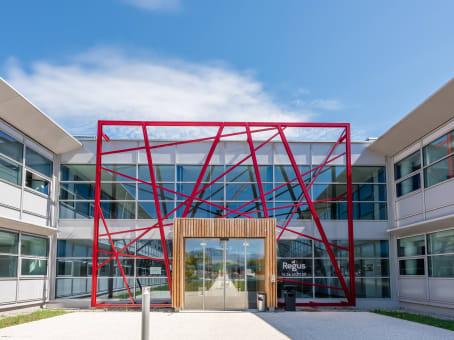 建筑位于Grenoble26 Avenue Jean Kuntzmann 1
