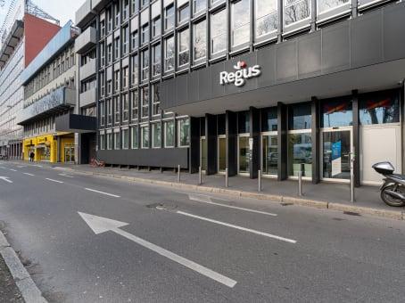 建筑位于MilanViale Certosa 218, Quartiere Garegnano 1