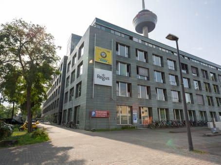 建筑位于CologneSubbelrather Straße 15A, Neuehrenfeld 1
