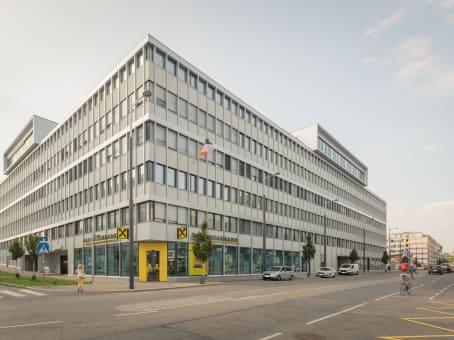 建筑位于ViennaLeopold-Ungar-Platz 2, 1. Etage – Stiege 2, Square One 1