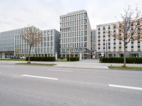 建筑位于MunichMoosacher Stasse 82a 1