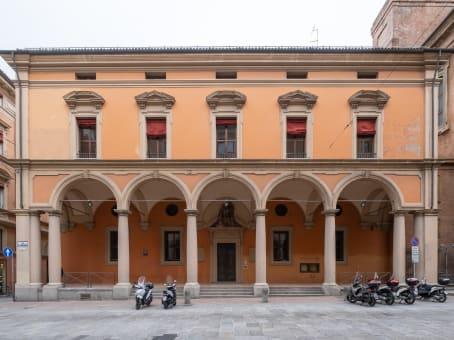 建筑位于BolognaVia del Monte 1 1