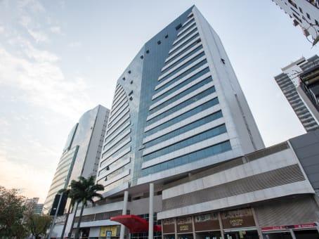 建筑位于VitoriaR. José Alexandre Buaiz, 300, 8º andar Enseada do Suá 1