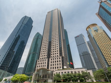 建筑位于上海市陆家嘴环路1000号, 恒生银行大厦 1