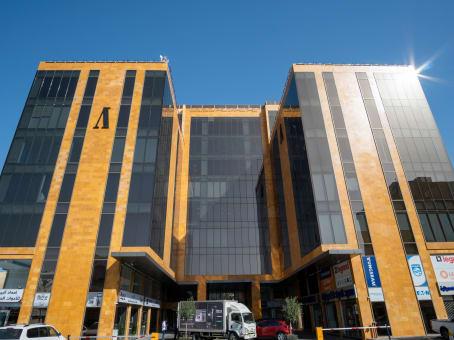 建筑位于JeddahAWTAD Commercial Center, 7th floor, Saeed Ibn Zaqr, Aziziyah 1