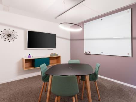 建筑位于ZurichLeutschenbachstrasse 95 1