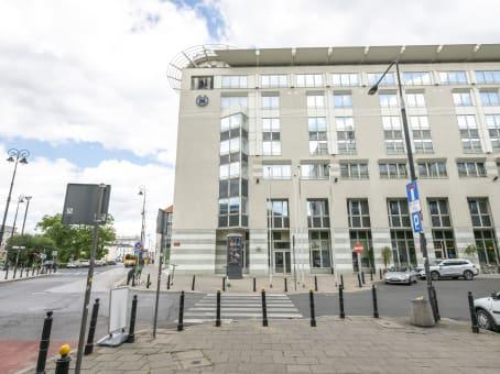 建筑位于WarsawSheraton Plaza, ul. Prusa 2 1