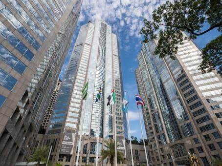 建筑位于Bangkok36/F CRC Tower, All Seasons Place, 87/2 Wireless Road, Phatumwan 1