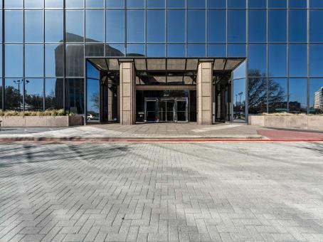 建筑位于Richardson2435 North Central Expressway, 12th Floor 1
