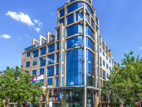 建筑位于SofiaBoulevard Totleben 53-55 1