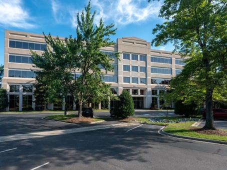 建筑位于Charlotte301 McCullough Drive, University Executive Park, Suite 400 1