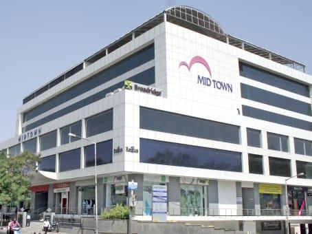 Building at Level 1, Midtown Building, Road no. 1 Banjara Hills, Opp Jalgam Vengal Rao Park in Hyderabad 1