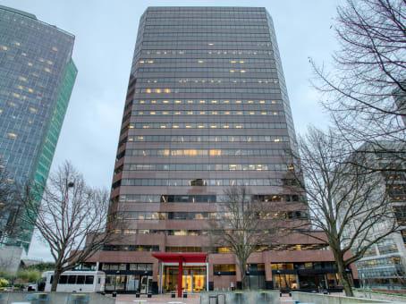 建筑位于Bellevue10900 Northeast 4th Street, Skyline Tower, Suite 2300 1