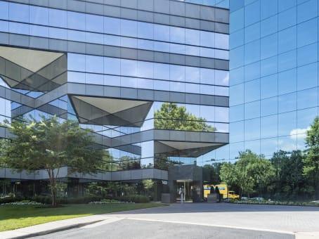 建筑位于Richmond7400 Beaufont Springs Drive, Boulders Business Park, Suite 300 1